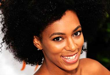 Solange Knowles Grows Out Her Natural Hair