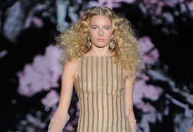 Badgley Mischka: Gorgeous Curls!
