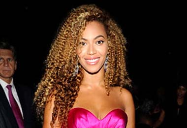 Beyoncé Shows Off Her Curls at the Black Ball