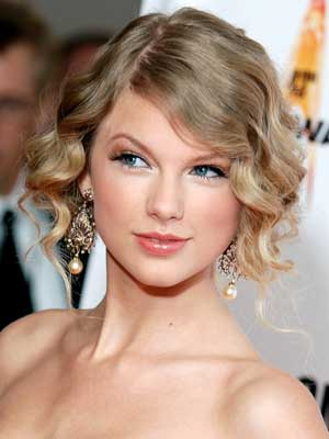 taylor swift tattoo 13. taylor swift tattoo. Taylor Swift Tattoo Heart. Taylor Swift Tattoo Heart.