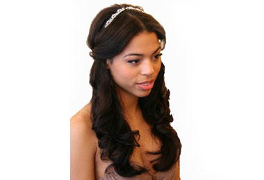 5 Essential Products for Glamorous Wedding Hairstyles