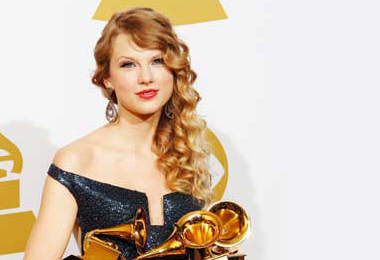 Curls and Waves Are Winners at the Grammys