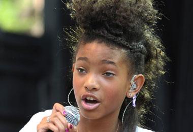 Natural Hair Maven Willow Smith Debuts New Single