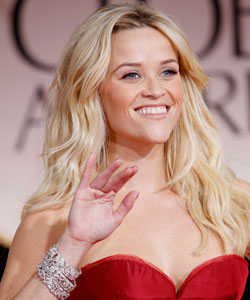 Reese Witherspoon's loose wavy hairstyle