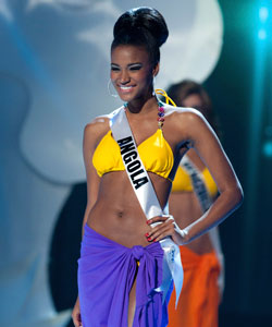 Leila Lopes as Miss Angola