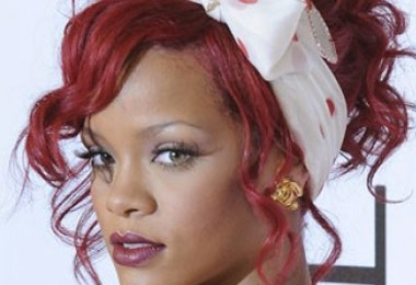 Curly Celebrity Love: Rihanna's Twist & Shout Curls