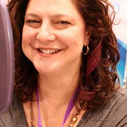 NaturallyCurly's Lori gets a fuschia streak in her curls