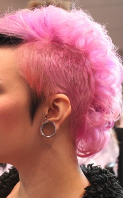 Undershave cut with candy-colored pink and black accents