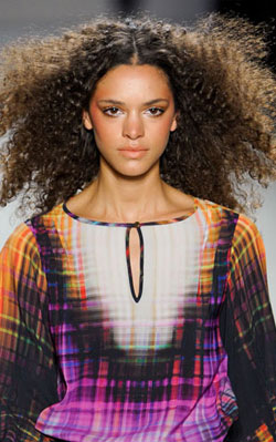Nicole Miller again showed off the models' natural texture!
