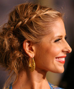 Sarah Michelle Gellar with dual French braids