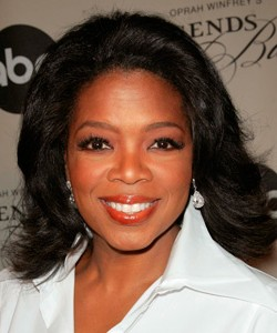 Oprah wearing her hair with the ends flipped