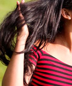 finger detangling hair