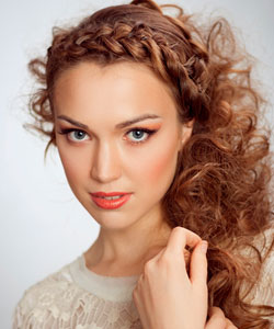 Woman with curly, frizzy hair