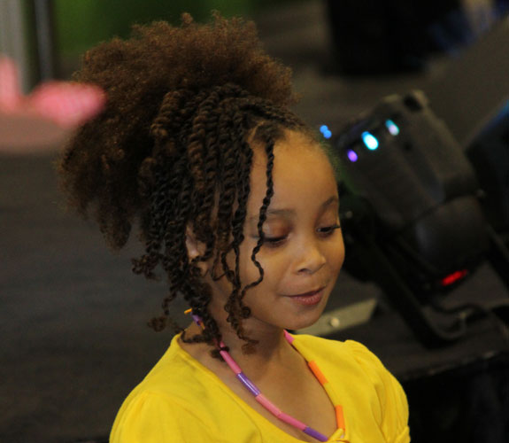 kiddie puff with fringe of twists