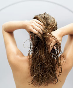 gripping wet hair to style