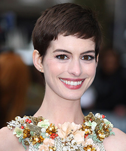 Anne Hathaway short hair, July 2012