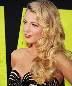 Blake Lively finger curls, June 2012