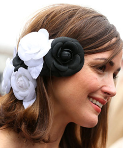Rose Byrne hair accessory
