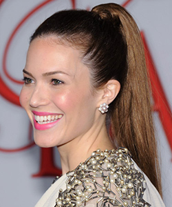 Mandy Moore high ponytail, August 2012