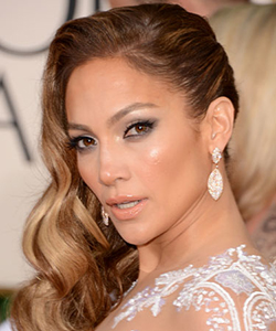 rby gg13 beauty Jennifer Lopez lgn Tress Talk: Side Part Domination at the Golden Globes