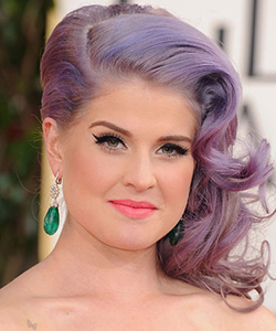rby gg13 beauty Kelly Osbourne lgn Tress Talk: Side Part Domination at the Golden Globes