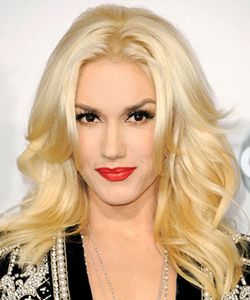 Gwen Stefani's layered waves