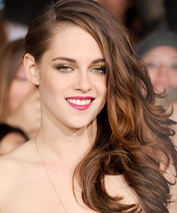Kristen Stewart's side swept waves