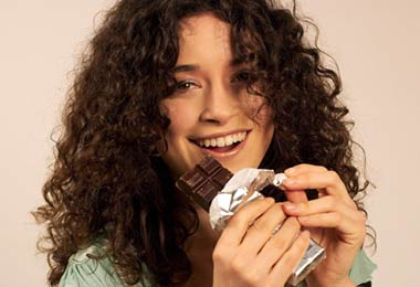 6 Beauty & Health Benefits of Chocolate