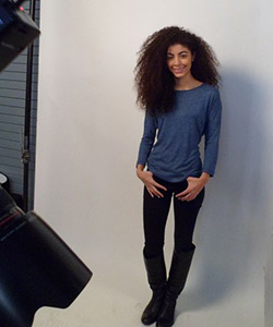 Curly haired model for L'Oreal EverCurl