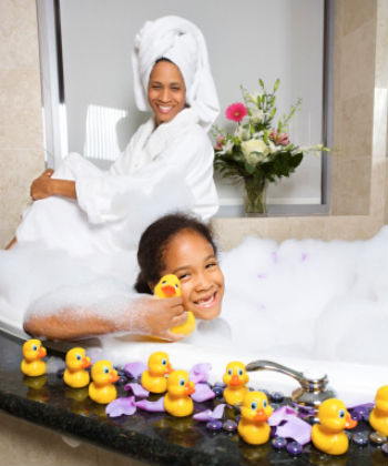spa day mom and daughter