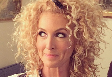 What Kimberly Schlapman of Little Big Town Uses On Her Curly Hair