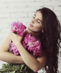 DIY Sea Salt Spray That WON'T Dry Out Your Curls