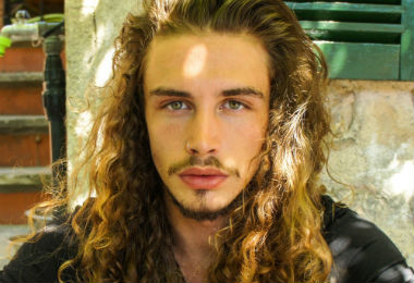 2 Male Hairstyles Perfect For Wavy Hair