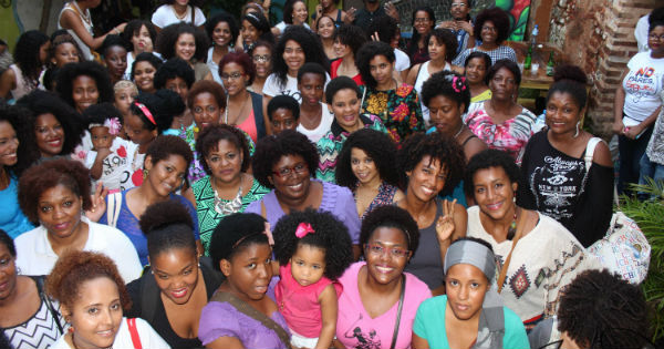 This Dominican Salon Ditched The Chemical Services