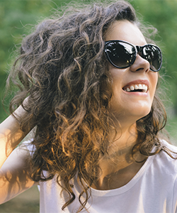 Wavy Hair Tips: Fighting Frizz in 5 Steps