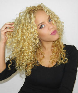 Curl Crush of the Week: Crystal (Style Dose)
