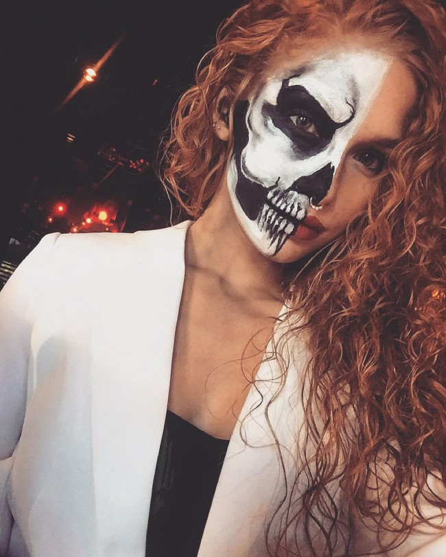 Curly Hair Costume Ideas : Amazing curly halloween costume ideas
