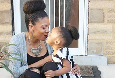 4 Easy & Effortless Hairstyles for Moms on the Go!