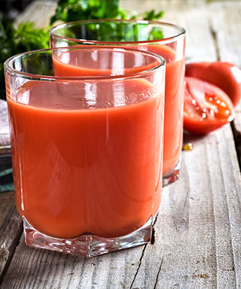 Why You Want to Try Tomato Juice In Your Hair